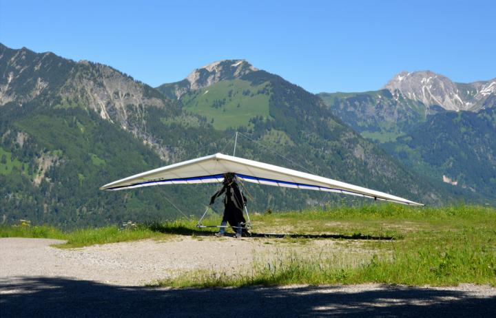 8 7th hang gliding